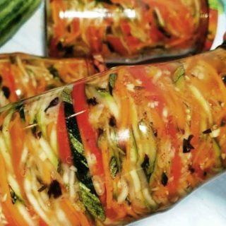 Корейский салат из кабачков: вкусная и красивая зимняя заготовка